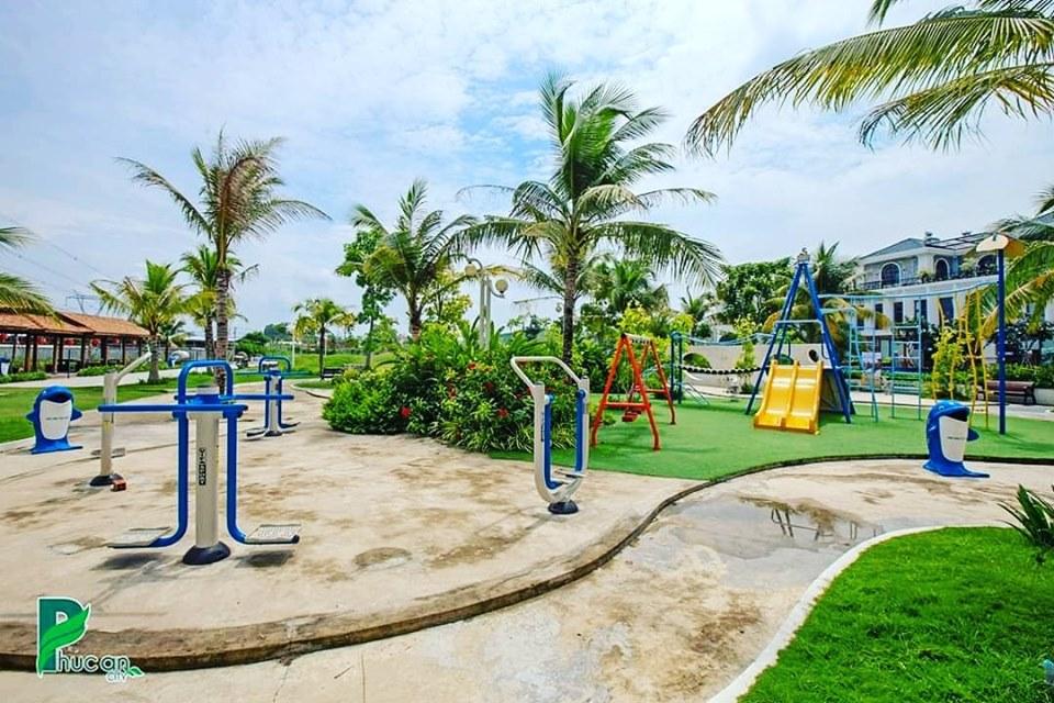 Công viên cây xanh, trang thiết bị tập thể dục