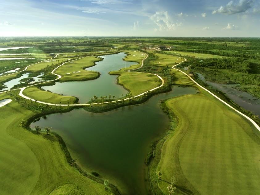 sân golf 18 lỗ đầu tiên nằm ở phía Tây thành phố Hồ Chí Minh. Nơi đây được xây dựng hoàn thiện vào cuối năm 2018
