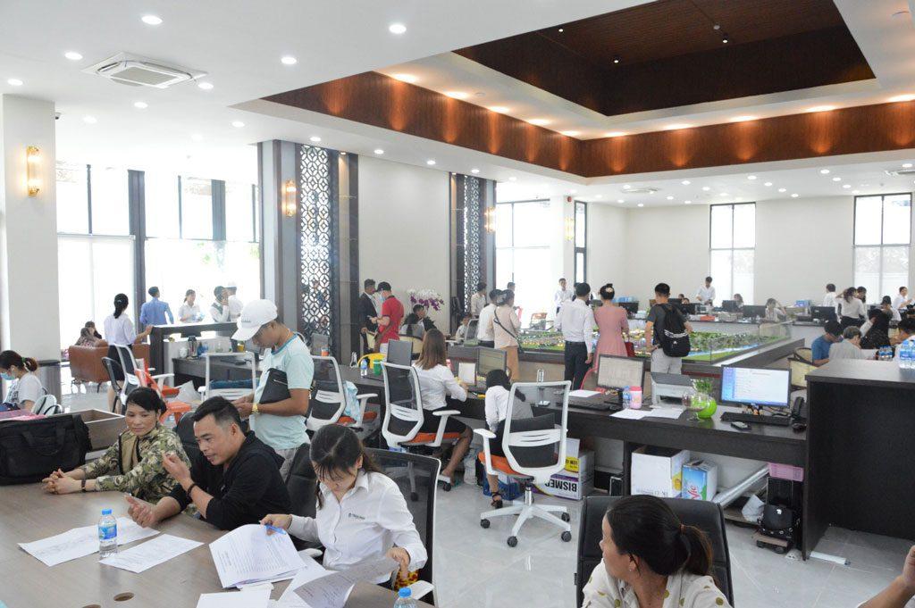Không khí sôi nổi trong ngày khai trương trụ sở mới của Trần Anh Group