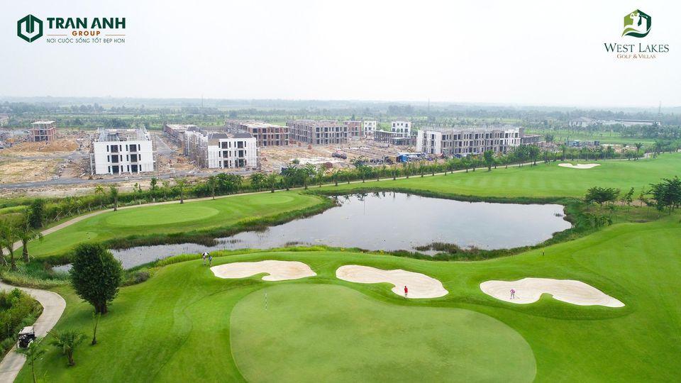 Khu Villa nằm Trong quần thể sân Golf West Lakes